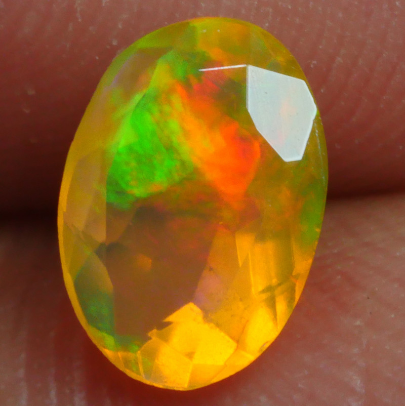 0.610 CRT BRILLIANT BROADFLASH FACETED WELO OPAL-