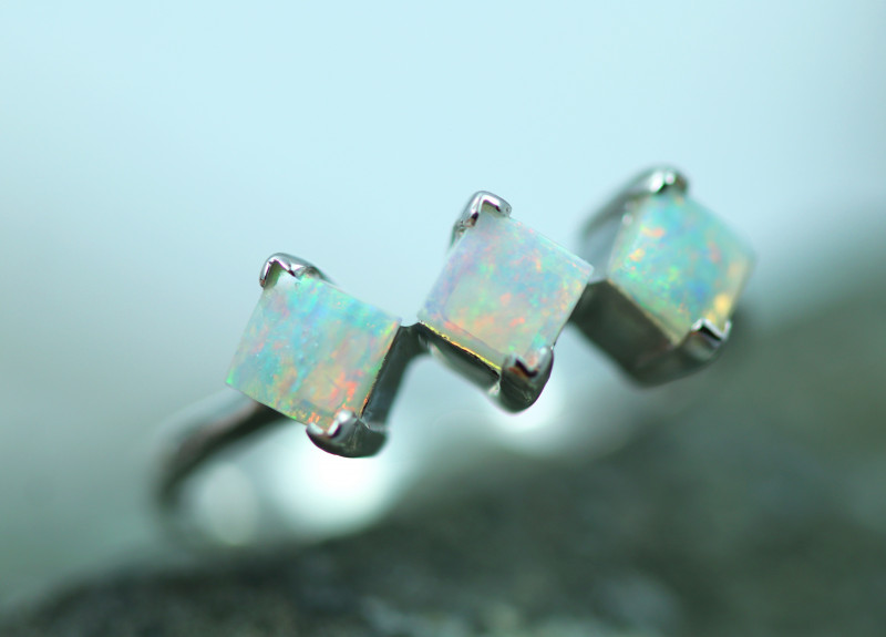 Opal Fire  Crystal set in Silver 925 Ring   Code CCC2589