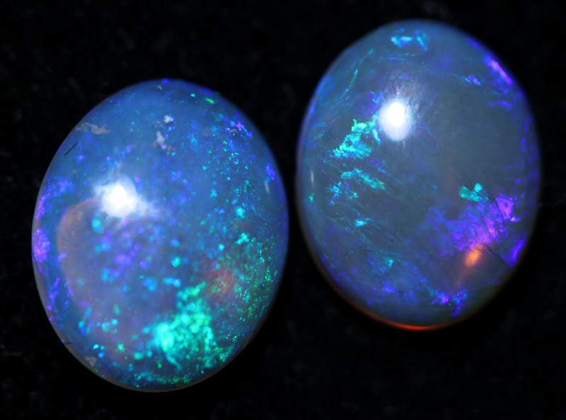 3.3 Cts pair Mintabie Dark  Crystal   Opals  code  CCC 2242