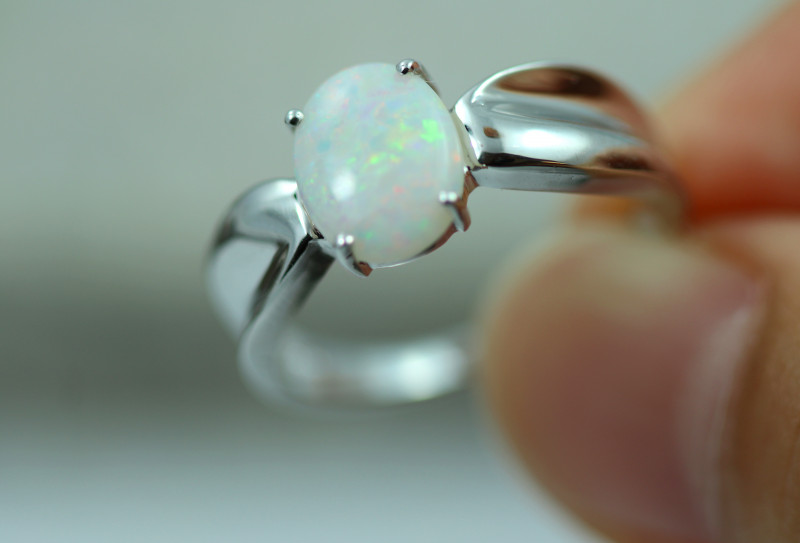 Opal Fire  Crystal set in Silver 925 Ring Size6  Code CCC2604
