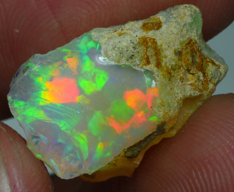 7.030 CRT WELO OPAL ROUGH MULTICOLOR ETHIOPIAN OPAL-