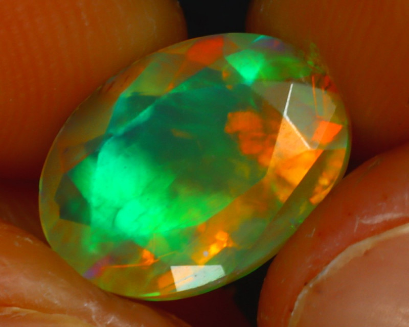 Welo Opal 2.47Ct Natural Ethiopian Play of Color Opal HR207/A44