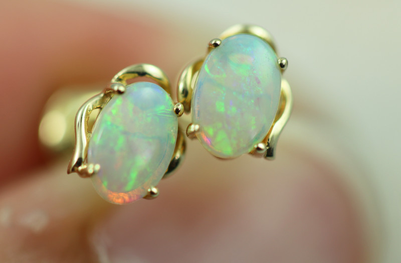 Cute Crystal  Opal set in 14k Yellow Gold Earring CK 512