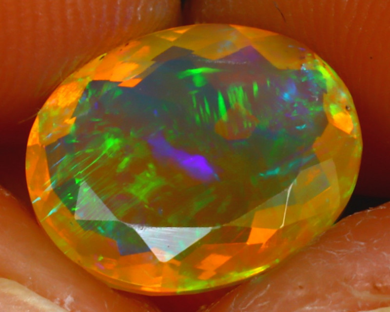Welo Opal 2.56Ct Natural Ethiopian Play of Color Opal HF2519/A44