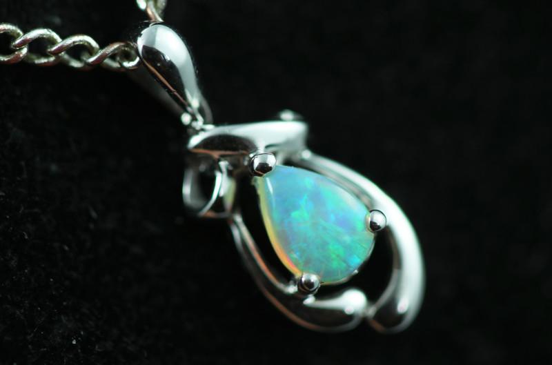 Cute Crystal Opal set in 9k White Gold Pendant CK 586