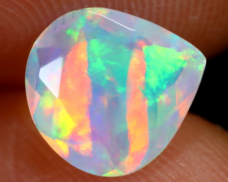 0.86cts Natural Ethiopian Faceted Welo Opal /BF7138