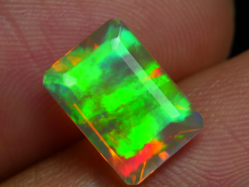 1.885 CRT BEAUTIFULSQUARE BROAD FLASH FACETED MULTI PLAY COLOR  WELO*