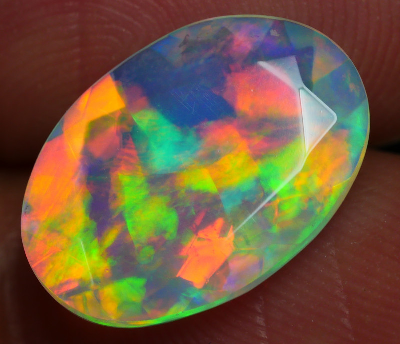 2.575 CRT BEAUTIFUL FACETED MULTI PLAY COLOR  WELO*