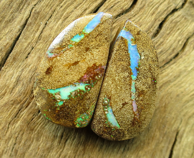 19cts, BOULDER PIPE OPAL~PAIR.