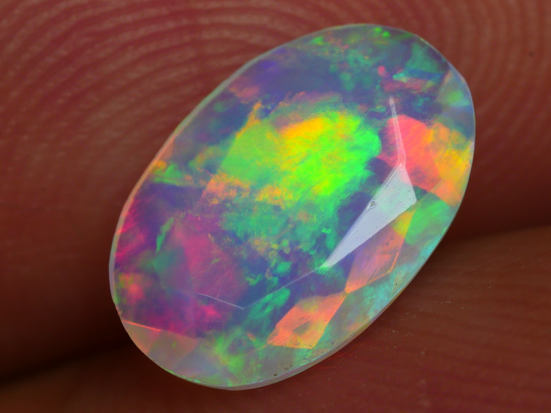 0.815 CRT BEAUTIFUL FACETED MULTI PLAY COLOR  WELO*