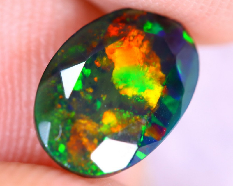 1.44cts Natural Ethiopian Welo Faceted Smoked Opal / NY2682