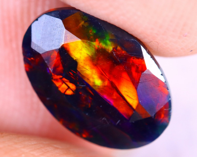 1.64cts Natural Ethiopian Welo Faceted Smoked Opal / NY2687