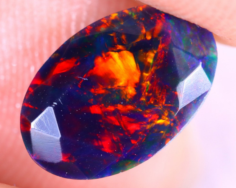 1.19cts Natural Ethiopian Welo Faceted Smoked Opal / NY2689