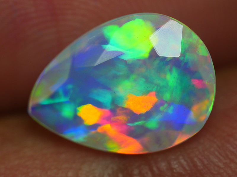 2.225 CRT BEAUTIFUL BRIGHT FACETED MULTI PLAY COLOR  WELO*