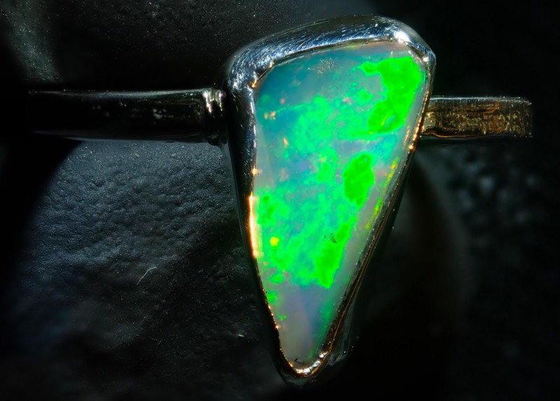6size Ethiopian Wello Opal Ring Natural .925 Silver