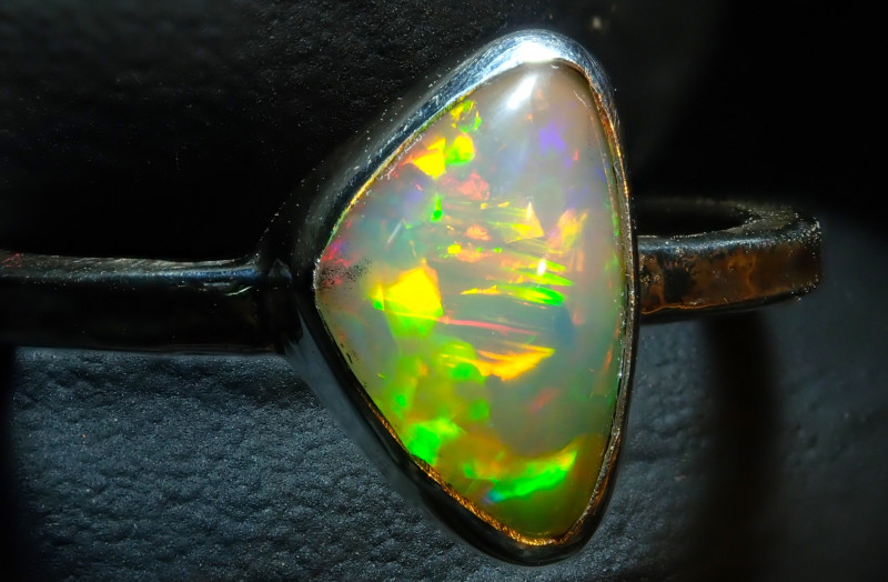 7.75size Ethiopian Wello Opal Ring Natural .925 Silver