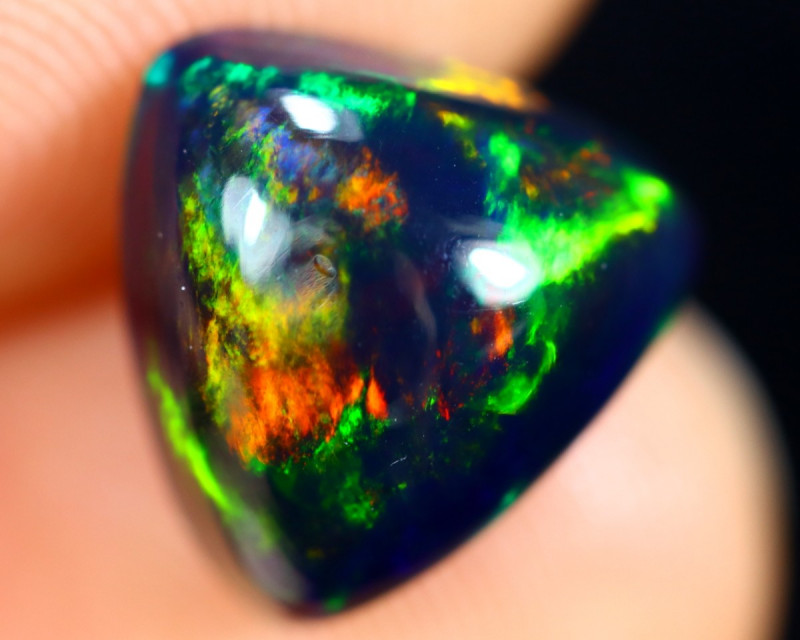 2.54cts Natural Ethiopian Smoked Welo Opal / BF8017