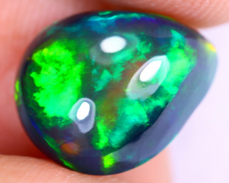 3.35cts Natural Ethiopian Welo Smoked Opal / UX982