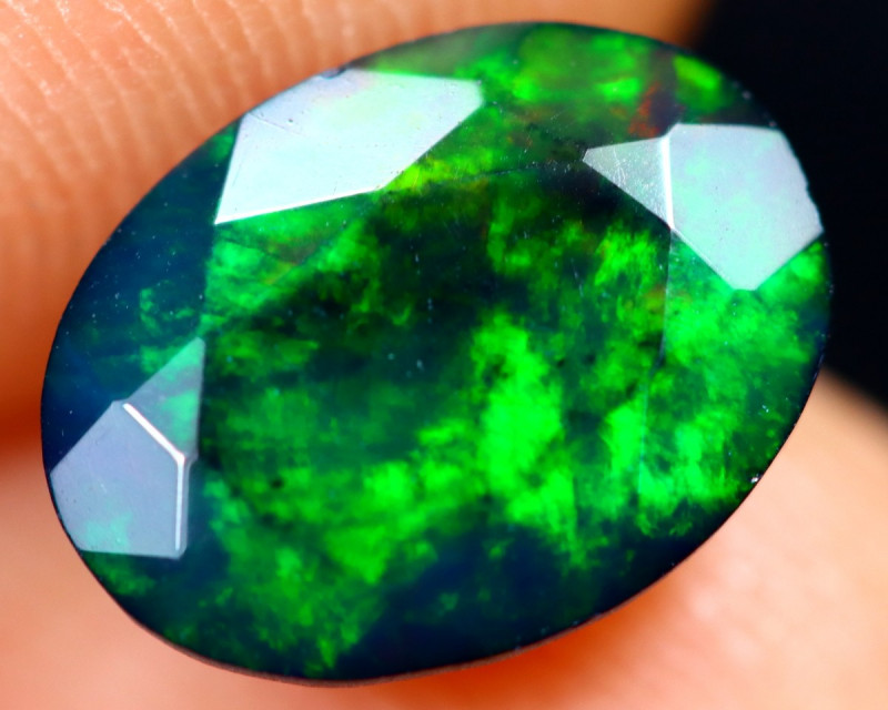 1.05cts Natural Ethiopian Welo Faceted Smoked Opal / HM3234