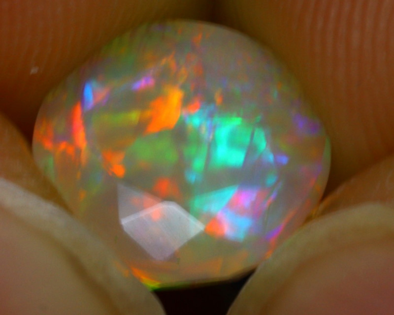 Welo Opal 1.44Ct Natural Faceted Ethiopian Play of Color Opal G0409/A44
