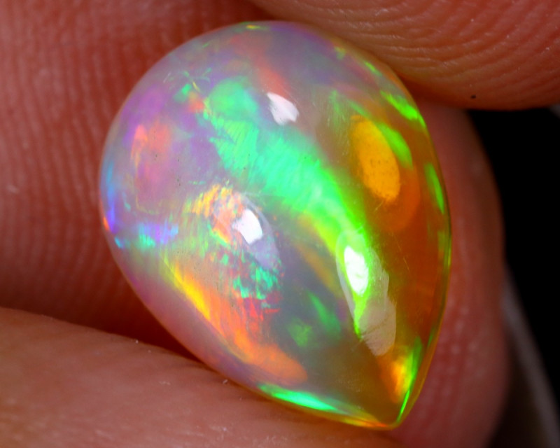 1.36cts Natural Ethiopian Welo Opal / UX1276