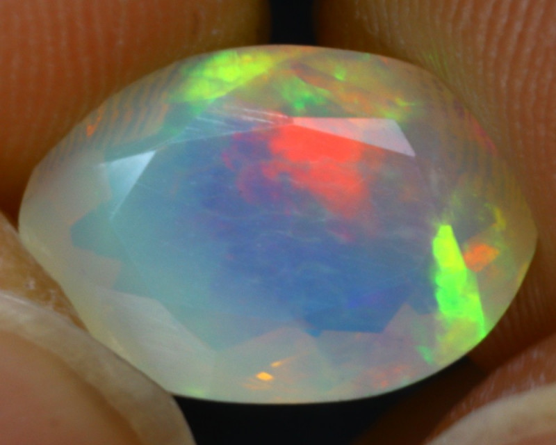 Welo Opal 1.80Ct Natural Faceted Ethiopian Play of Color Opal G1109/A44