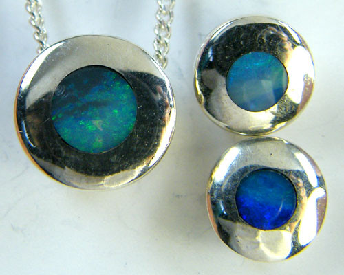 INLAY OPAL  PENDANT & MATCHING EARRING SET      SCA 797