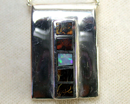 BOULDER OPAL INLAY PENDANT 3.45 CTS SCA1103