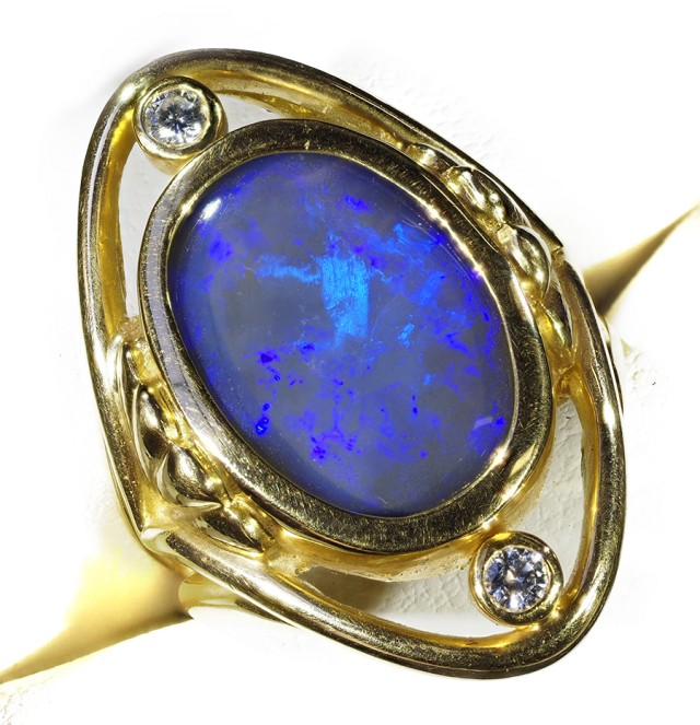 GEM OPAL 18K GOLD RING SIZE 6.5 A842 WITH TWO DIAMONDS