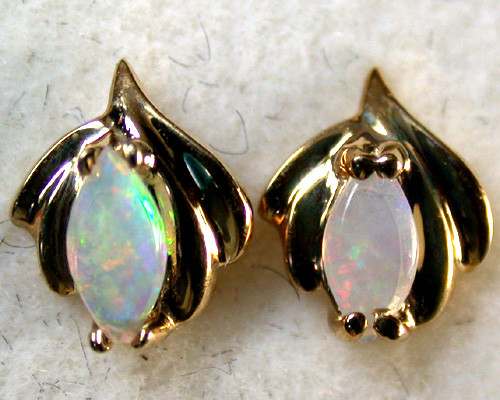 GEM  CRYSTAL OPAL 9K GOLD EARRINGS .70 CTS SCA1375