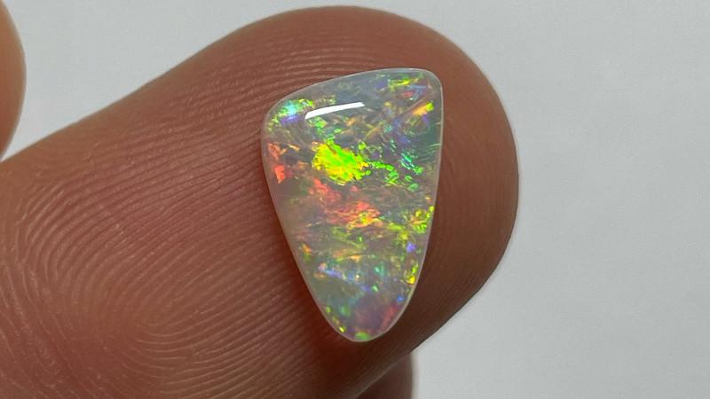 1.5ct White Cliffs Crystal Opal