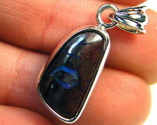 HAND MADE BEZEL SET KOROIT OPAL IN SILVER    MY328