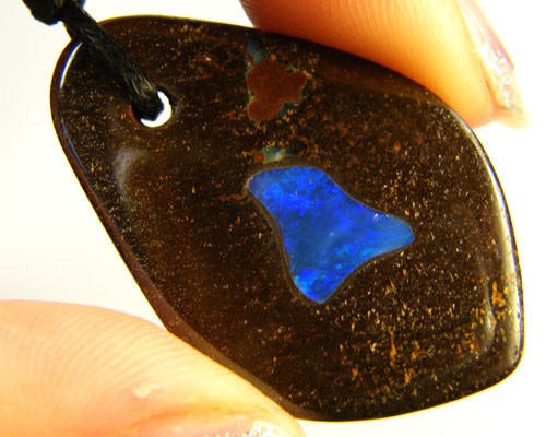 CRYSTAL OPAL INLAY ON IRONSTONE PENDANT 34.2 CTS OM926
