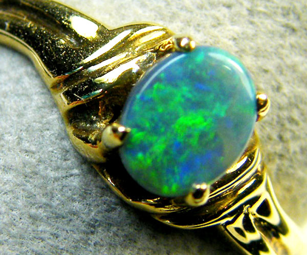 GREEN FLASH BLACK OPAL 18K GOLD RING SIZE 6.5 SCA1818