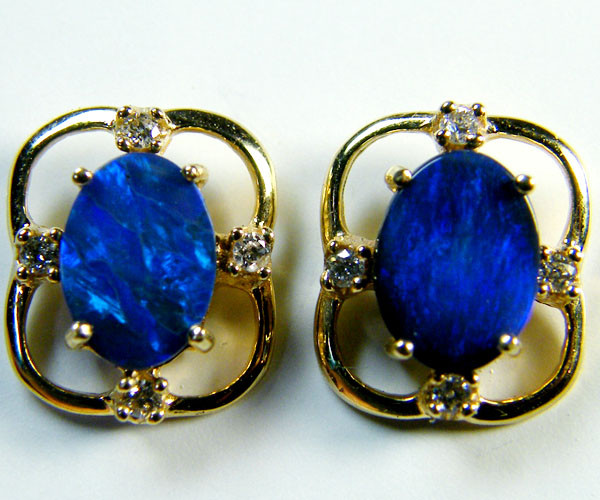 BLACK OPAL 14 K GOLD EARRINGS 2 CARATS  MY 508