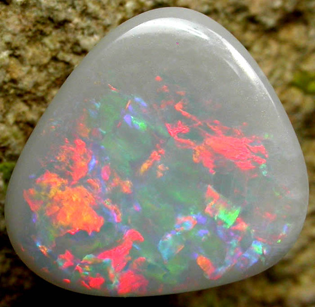 QUALITY  SOLID OPAL  1.4 CTS [SG477 ]