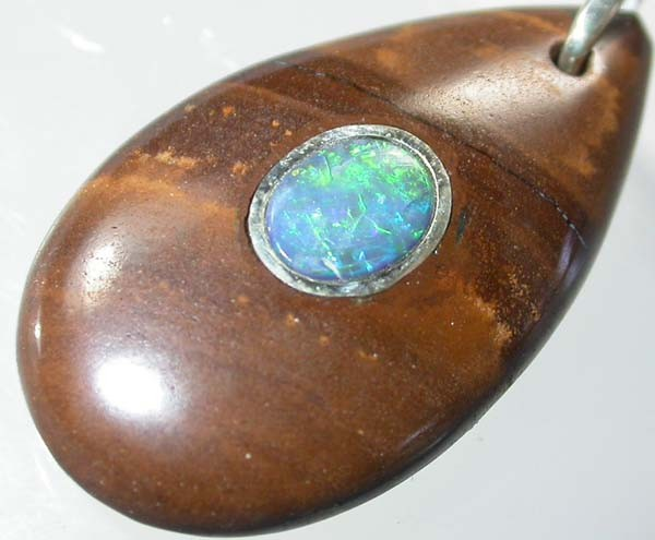 OPAL INLAY PENDANT/SLIVER CHAIN-21 CTS  [BMP1386 ]