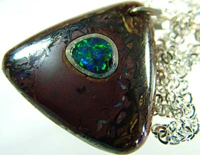 OPAL INLAY PENDANT/SLIVER CHAIN-24 CTS  [BMP1472 ]