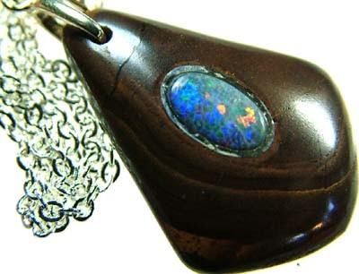 OPAL INLAY PENDANT/SLIVER CHAIN-25 CTS  [BMP1492 ]