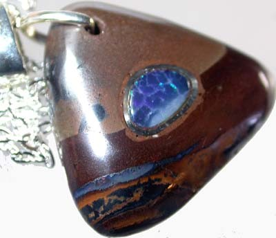 OPAL INLAY PENDANT/SLIVER CHAIN-24 CTS  [BMP1511 ]