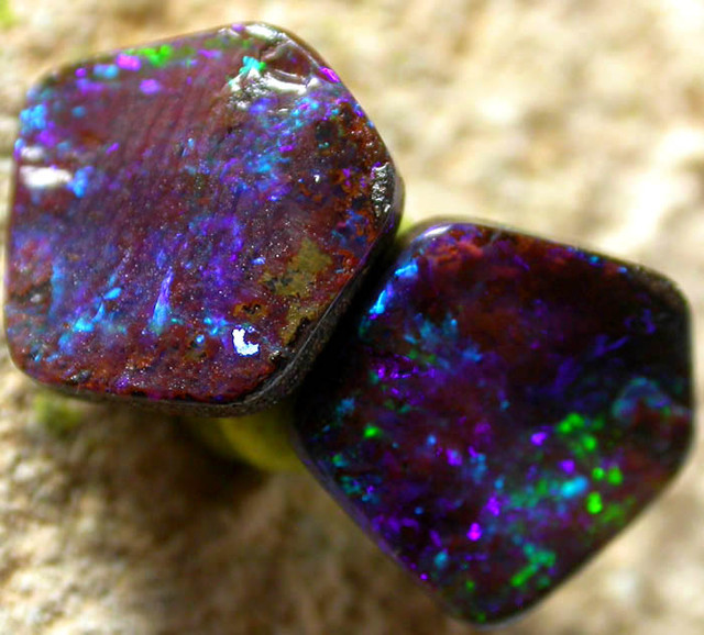 4.2 CTS SOLID STONES PAIR FROM HAYRICKS MINE  [FJP1393 ]