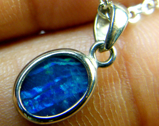 DOUBLET OPAL PENDANT 18K WHITE GOLD 1 CTS  SCA1895