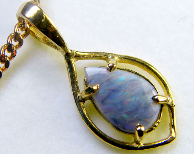 BLACK OPAL PENDANT 18K GOLD 0.90 CTS  SCA1908