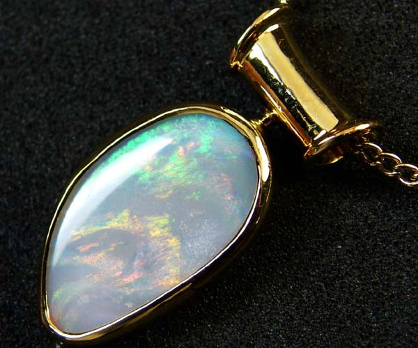 COOBER PEDY SHELL OPAL PENDANT 18K GOLD 5 CTS SCA1931