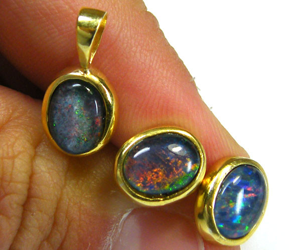 8X6  MM  TRIPLET SET  EARRINGS AND PENDANT  SCA1982