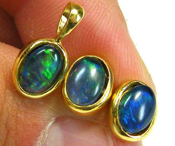 7x5 MM  TRIPLET SET  EARRINGS AND PENDANT  SCA1994
