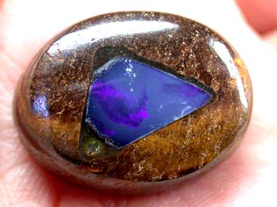 FREE SHIPPING CRYSTAL OPAL INLAID INTO IRONSTONE 25CT GR664