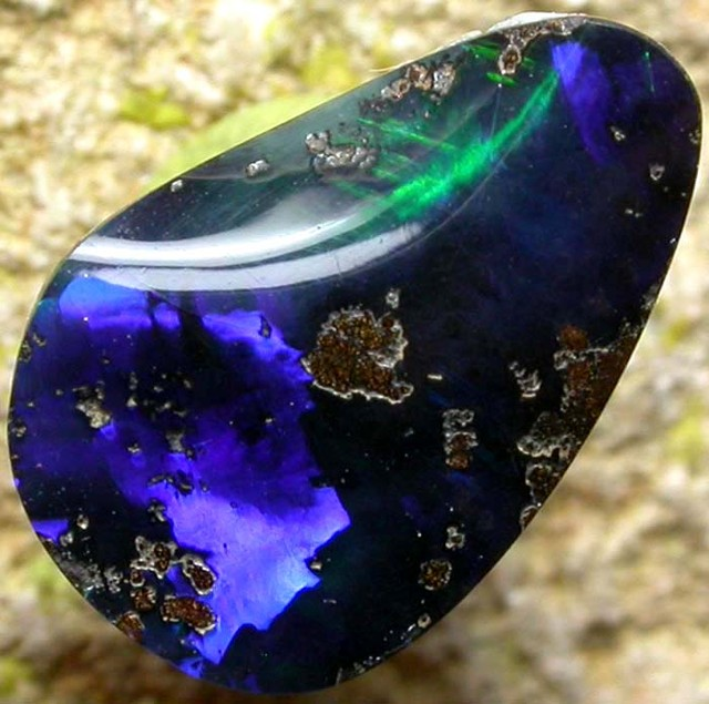 QUALITY BOULDER -BRIGHT  2.5  CTS [S819 ]