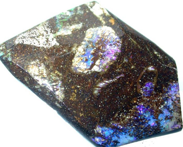 BOULDER ROUGH  FROM QUILPIE  86 CTS  [BY272 ]