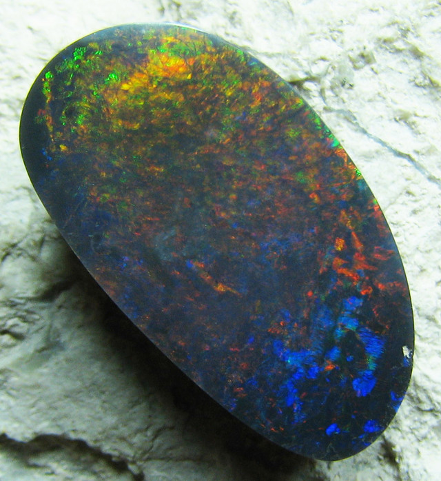 BRIGHT WINE RED COLOR SHOW SOLID CUT BLACK OPAL 6.30CTS A604